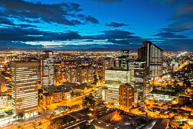 Skyline de la zona financiera de Bogotá (Colombia).