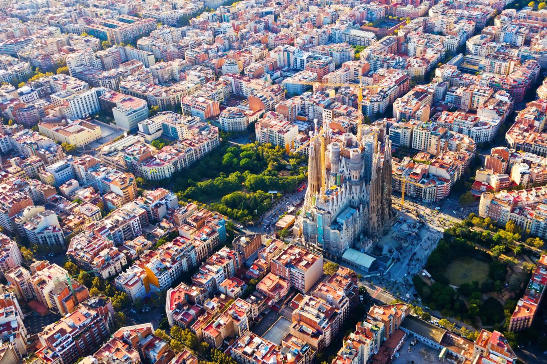 Vista aérea de Barcelona, Eixample Sagrada Familia.