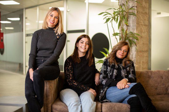 Liderada por tres mujeres emprendedoras, ha nacido La Nº1 Artisans Work. Esta startup de autoempleo y distribución está enfocada en favorecer y reactivar el sector de la hostelería.