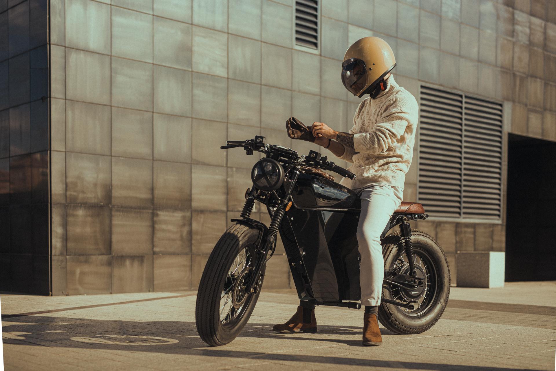 OX Motorcycles, startup española fabricante de motos eléctricas de estilo icónico, ha cerrado una ronda de 300K€