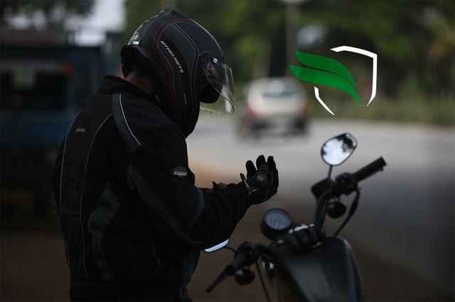 KOMOBI MOTO, empresa española especializada en sistemas de seguridad para motocicletas, ha sacado al mercado un nuevo servicio llamado KOMOBI PHONE. Este servicio es un sistema de alarmas telefónicas para alertar de una situación de emergencia al motero.