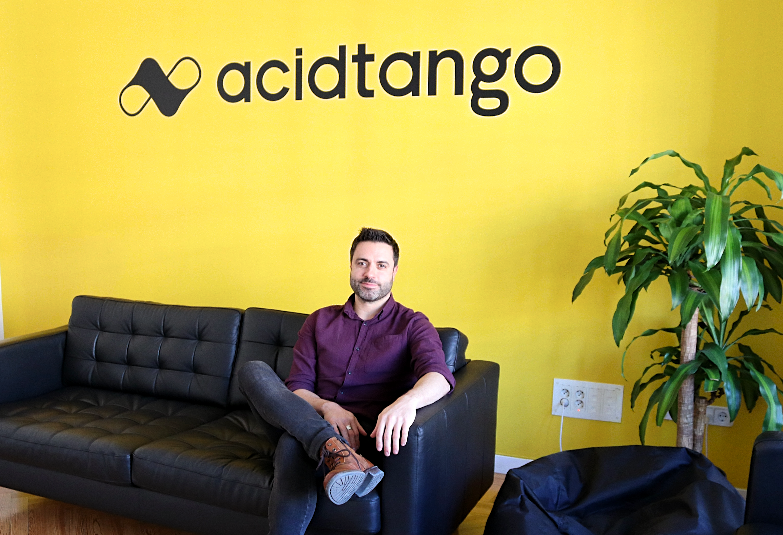 Acid Tango es un estudio de innovación que transforma las ideas de sus clientes en productos digitales, desde la fase de la ideación hasta su lanzamiento como MVP y posterior escalado o iteración.