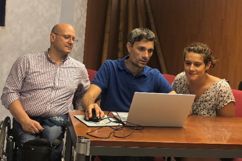Juan Palomo Cisneros, Sara Llorente Navarro y Daniel Serapio Martínez, fundadores de eStragy.