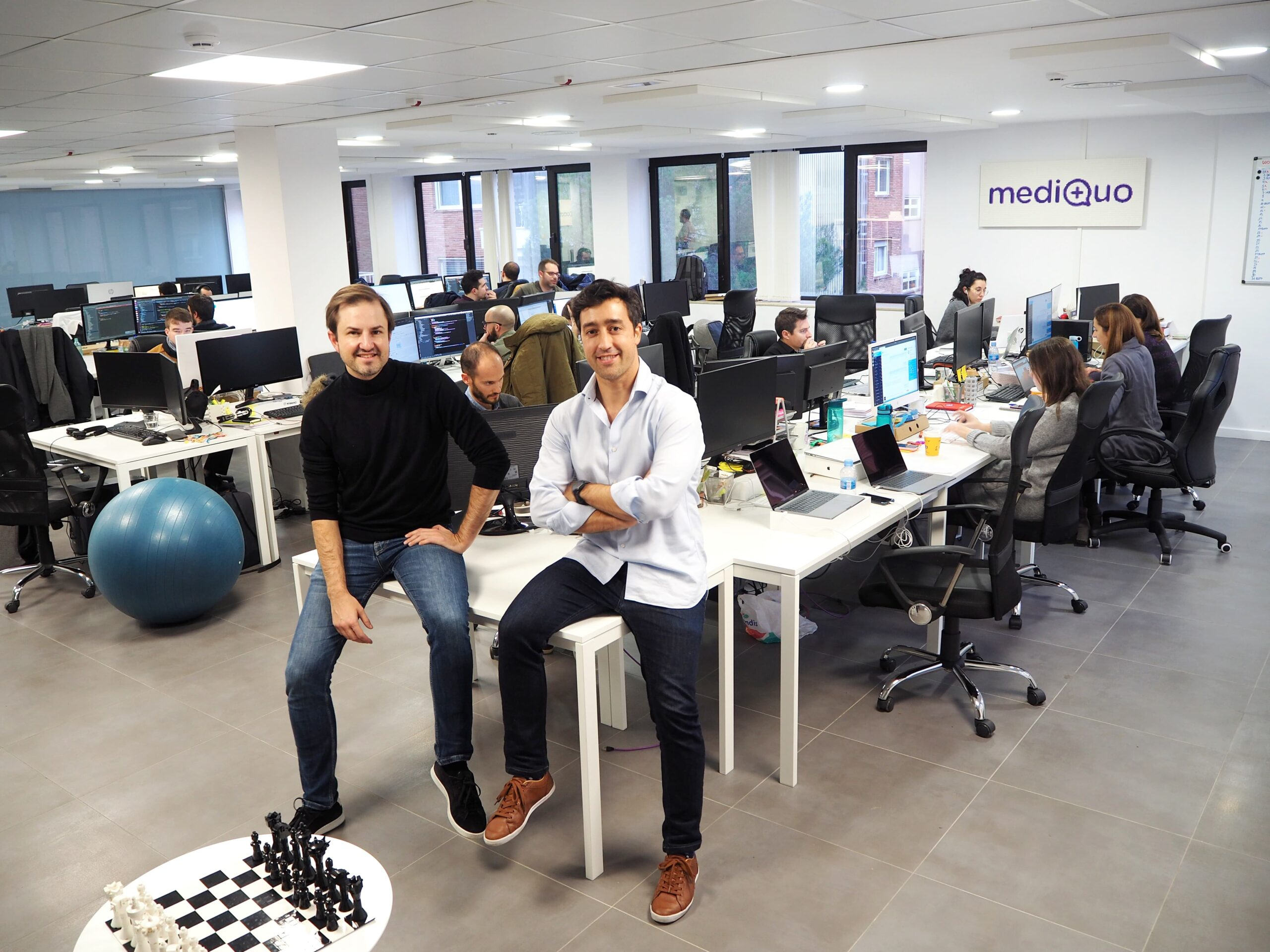 mediQuo cierra una ronda de €2,3M con Encomenda Smart Capital y Dozen