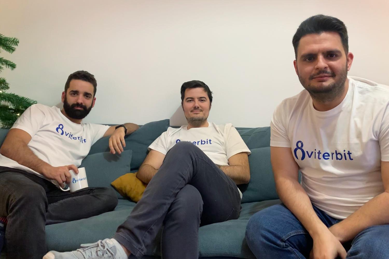 Viterbit es una novedosa plataforma de gestión de talento enfocada en optimizar los procesos de selección de las empresas. Su nivel de especialización y las soluciones que ofrece, la han convertido en una propuesta tecnológica muy potente y diferenciada en el mercado.