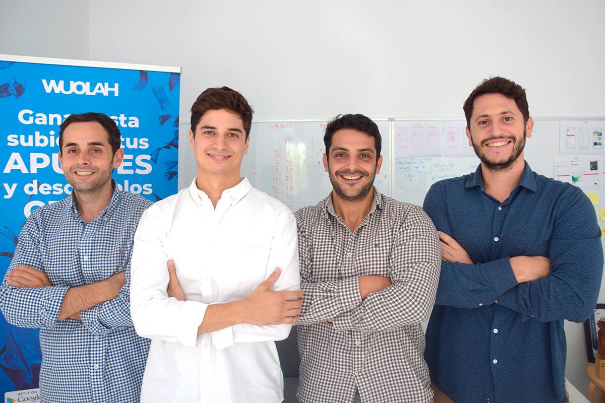 Wuolah es la plataforma líder de descarga de apuntes entre los países de habla hispana. Cada día, miles de estudiantes intercambian documentos y dudas entre compañeros en Wuolah. Somos mucho más que una plataforma, somos la comunidad donde todo lo relacionado con los estudiantes sucede.