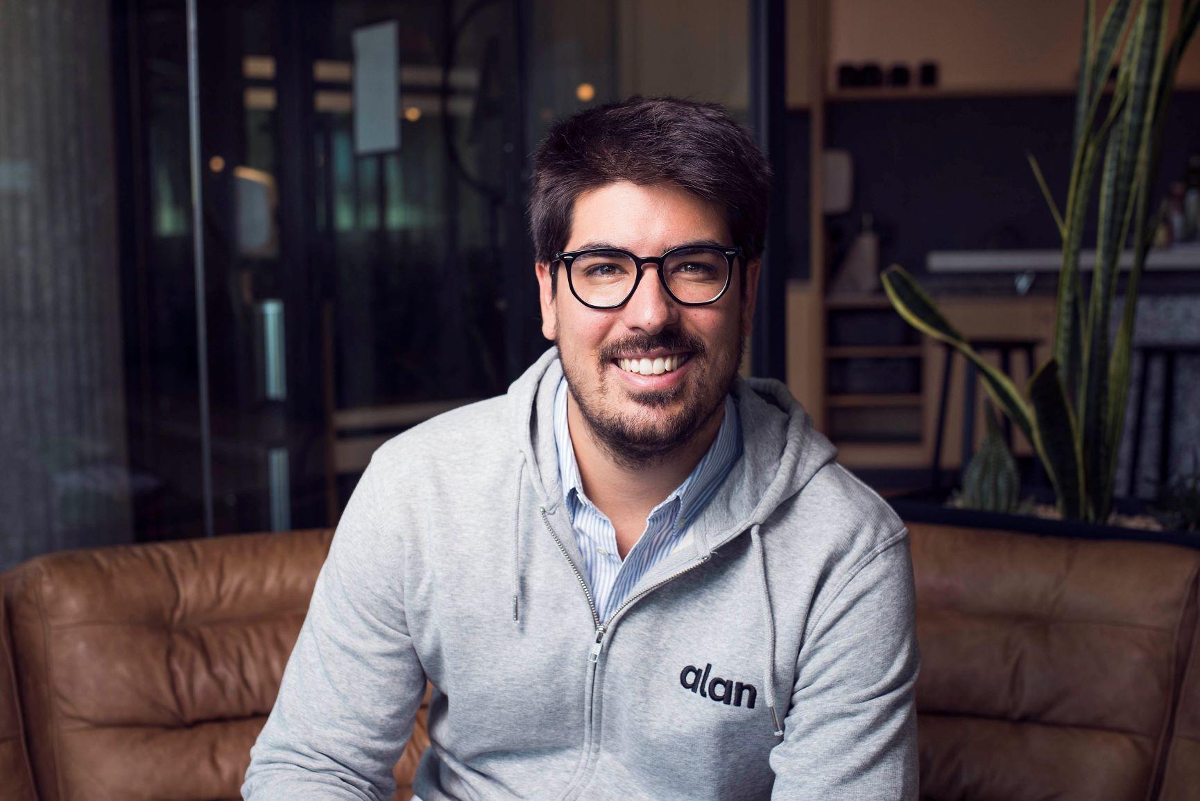 Alan es un seguro 100% digital de salud. Nació en febrero de 2016 como la primera aseguradora de salud digital en Europa y está revolucionando el sector en Francia, donde trabaja ya con 8000 empresas.