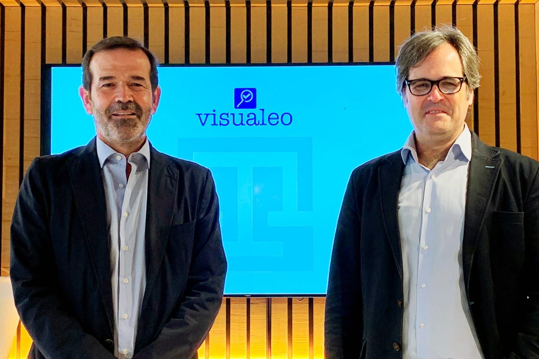 Imagen de la firma entre Visualeo y el Grupo Sociedad de Tasación.