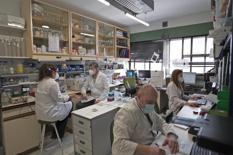 Foto del laboratorio de la biotech Tetraneuron.