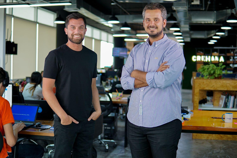 Imagen de los fundadores de Crehana.