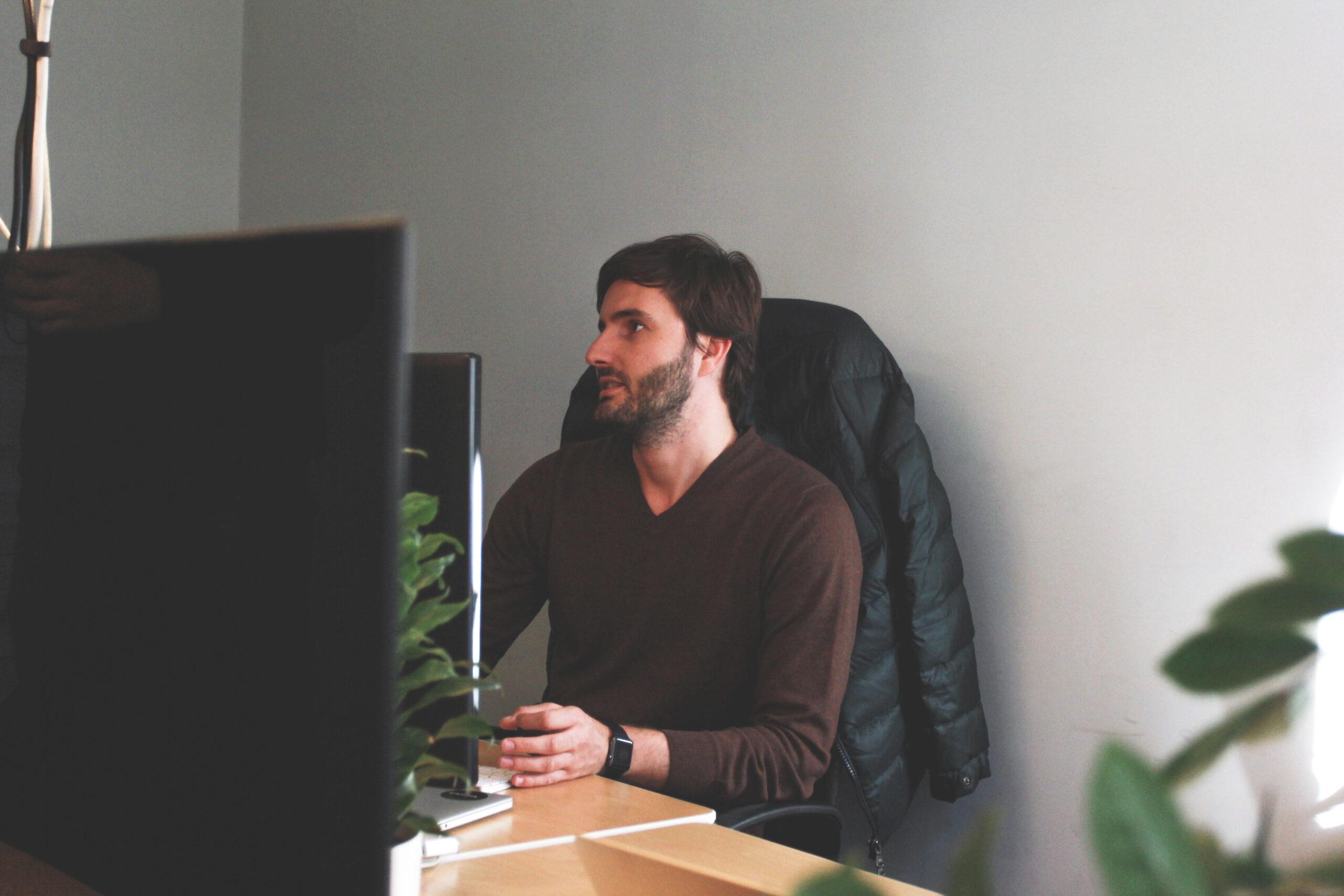Apiumhub es un hub tecnológico afincado en Barcelona enfocado a ser un espacio seguro para el crecimiento de desarrolladores de software.